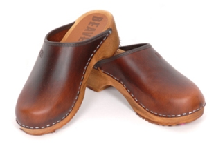 leather-leather-clogs